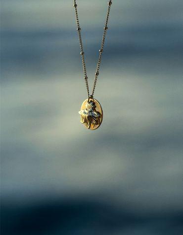 Collier Chaîne et pendentif - Collection Maracudja - La Divini © Cécile Chabert