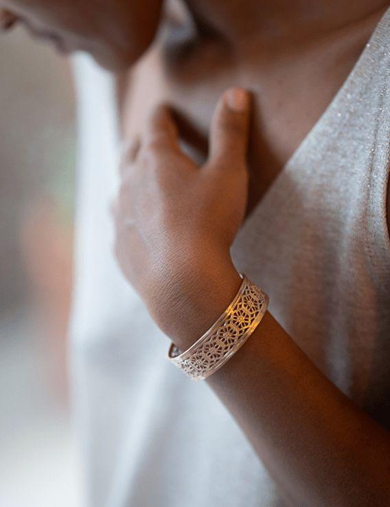 Bracelet manchette - Collection Broderie - La Divini © Christine Picard