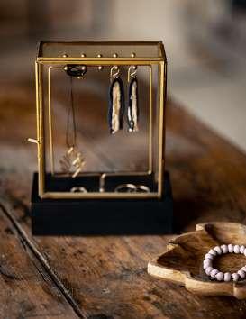Boîte à bijoux présentoir et base en bois noire Madam Stoltz © Christine Picard