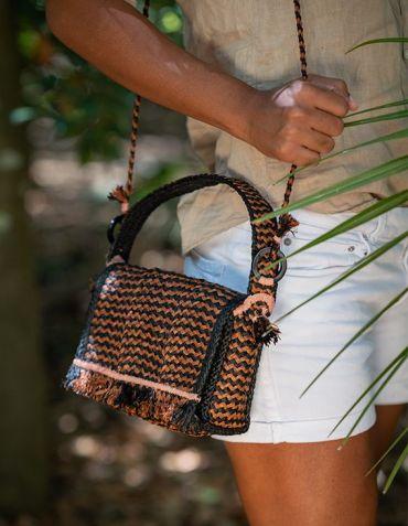Petit Sac en Raphia de Madagascar - Havane - Lotus Small - Sans Arcidet © Christine Picard