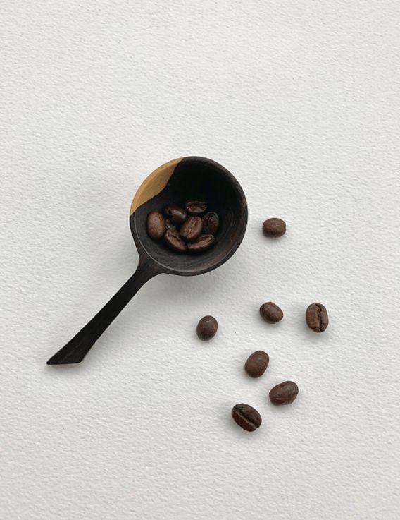 Cuillère à café en bois d'ébène de Tanzanie
